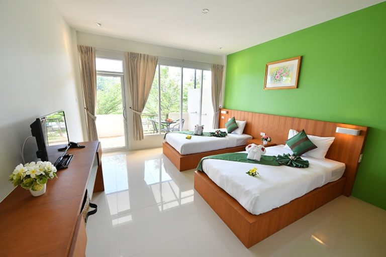 The Touch Green : Superior King Room with balcony