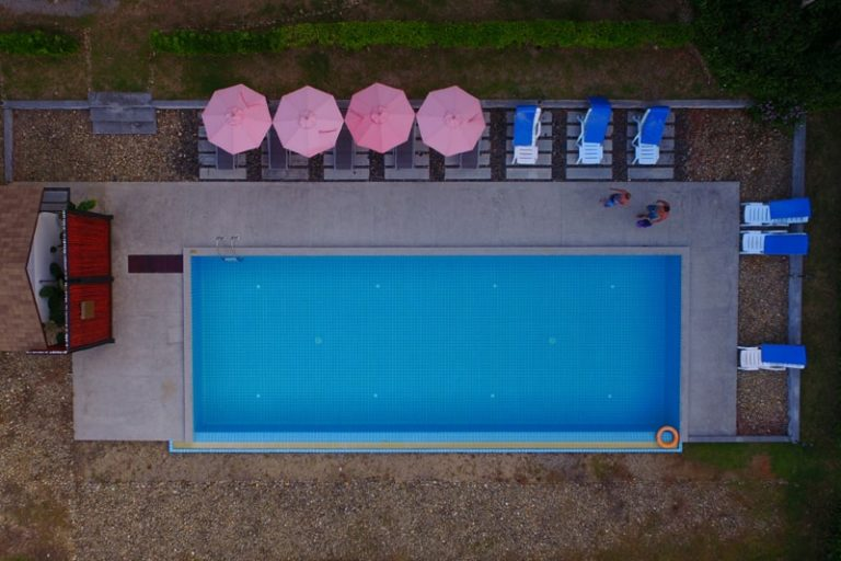 The Touch Green : Swimming Pool